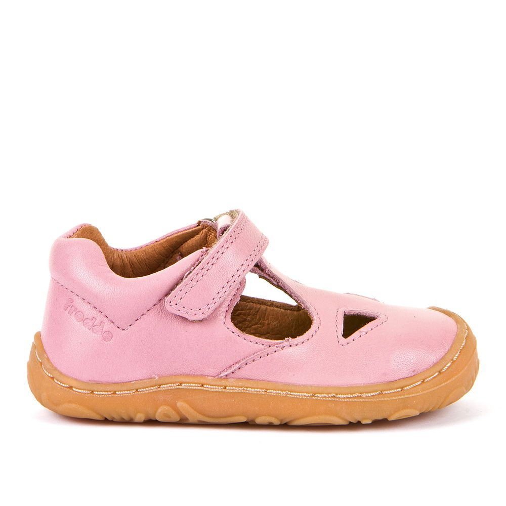 Dječje poluotvorene cipele za prve korake picture